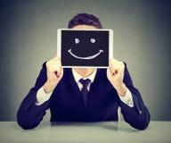 Homem de negócio novo feliz com tablet pc foto de stock royalty free