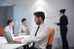 Homem de negócio novo na reunião Imagens de Stock