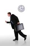 Homem de negócio que funciona tarde imagem de stock royalty free