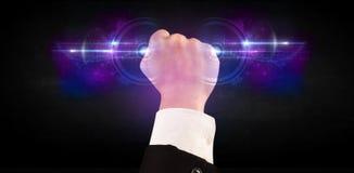 Homem de negócio que guarda a rede de sistema futura dos dados da tecnologia Imagens de Stock Royalty Free