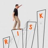 Homem de negócio que procura o sucesso desafio Foto de Stock Royalty Free