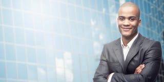 Homem de negócios africano novo bem sucedido Fotografia de Stock