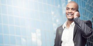 Homem de negócios africano novo bem sucedido Imagens de Stock