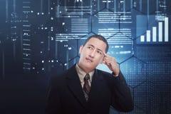 Homem de negócios asiático confuso que pensa algo ilustração stock