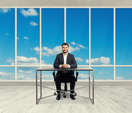 Homem de negócios bem sucedido do smiley Imagem de Stock Royalty Free