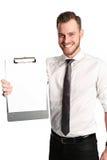 Homem de negócios bonito com uma prancheta que veste uma camisa e um laço brancos Fotografia de Stock