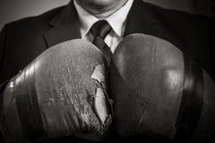 Homem de negócios caucasiano 40 anos velho isolado na Imagens de Stock Royalty Free