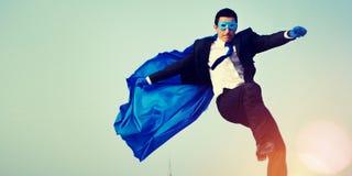 Homem de negócios Cityscape Leadership Concept do super-herói fotografia de stock