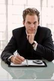 Homem de negócios com calendário fotografia de stock