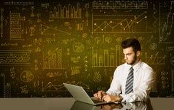 Homem de negócios com fundo do diagrama Imagens de Stock