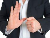 Homem de negócios com kung-fu chinês Um homem de negócio está indo lutar um oponente imaginário Foto de Stock