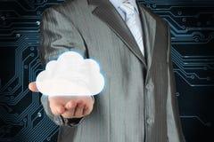 Homem de negócios com a nuvem no fundo escuro da placa de circuito imagem de stock royalty free