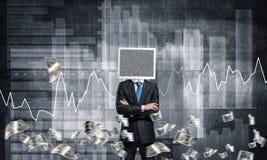 Homem de negócios com o monitor em vez da cabeça Fotos de Stock Royalty Free