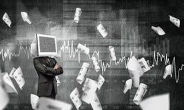 Homem de negócios com o monitor em vez da cabeça Fotos de Stock