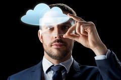 Homem de negócios com smartphone transparente Imagens de Stock Royalty Free
