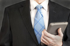 Homem de negócios com tabuleta Imagens de Stock