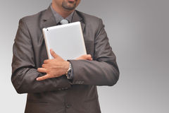 Homem de negócios com tabuleta Fotos de Stock
