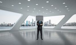Homem de negócios com a tevê em vez da cabeça Imagens de Stock