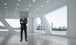 Homem de negócios com a tevê em vez da cabeça Foto de Stock
