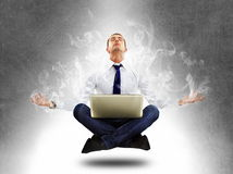 Homem de negócios da ioga na concentração total Fotos de Stock