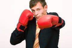 Homem de negócios do encaixotamento Fotografia de Stock Royalty Free