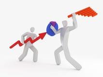 Homem de negócios dois que luta usando o gráfico do gráfico de setores circulares e de barra Fotografia de Stock Royalty Free
