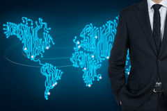Homem de negócios e mapa Fotos de Stock Royalty Free