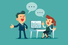Homem de negócios e mulher de negócios que discutem a estratégia empresarial Fotos de Stock Royalty Free