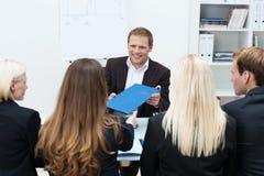 Homem de negócios em uma entrevista incorporada Foto de Stock