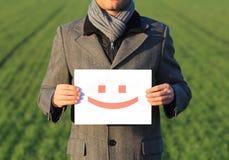 Homem de negócios feliz ao ar livre fotografia de stock