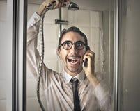 Homem de negócios feliz no chuveiro foto de stock royalty free
