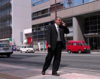 Homem de negócios na cidade imagens de stock