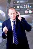 Homem de negócios no aeroporto foto de stock
