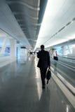 Homem de negócios no aeroporto Fotografia de Stock Royalty Free