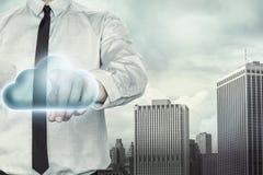Homem de negócios no fundo da arquitetura da cidade com azul Imagem de Stock Royalty Free