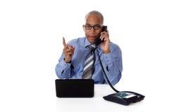 Homem de negócios novo do African-American, falando Fotos de Stock