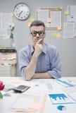 Homem de negócios pensativo do lerdo Foto de Stock Royalty Free