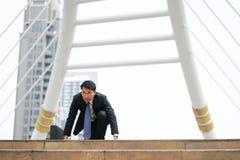 Homem de negócios pronto para ir perto, conceito startup do negócio Imagem de Stock