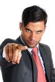 Homem de negócios que aponta para a câmera Fotos de Stock Royalty Free
