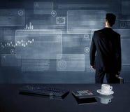 Homem de negócios que apresenta a estratégia na reunião Imagens de Stock Royalty Free