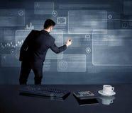 Homem de negócios que apresenta a estratégia na reunião Fotografia de Stock