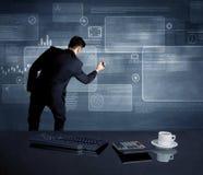 Homem de negócios que apresenta a estratégia na reunião Fotos de Stock