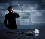 Homem de negócios que apresenta a estratégia na reunião Fotografia de Stock Royalty Free