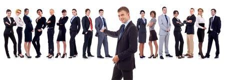 Homem de negócios que apresenta sua equipe Imagens de Stock Royalty Free