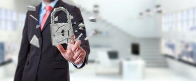 Homem de negócios que corta em rendição quebrada da segurança 3D do cadeado Imagens de Stock Royalty Free