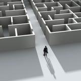Homem de negócios que entra no labirinto ilustração royalty free