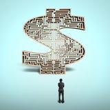 Homem de negócios que está na frente do labirinto da forma do dinheiro ilustração stock