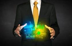 Homem de negócios que guarda a nuvem do diagrama Foto de Stock