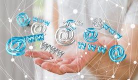 Homem de negócios que guarda o ícone do contato da rendição 3D em sua mão Imagens de Stock