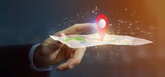 Homem de negócios que guarda um suporte do pino da rendição 3d em um mapa Fotografia de Stock Royalty Free